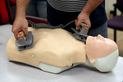 maquette-defibrillateur
